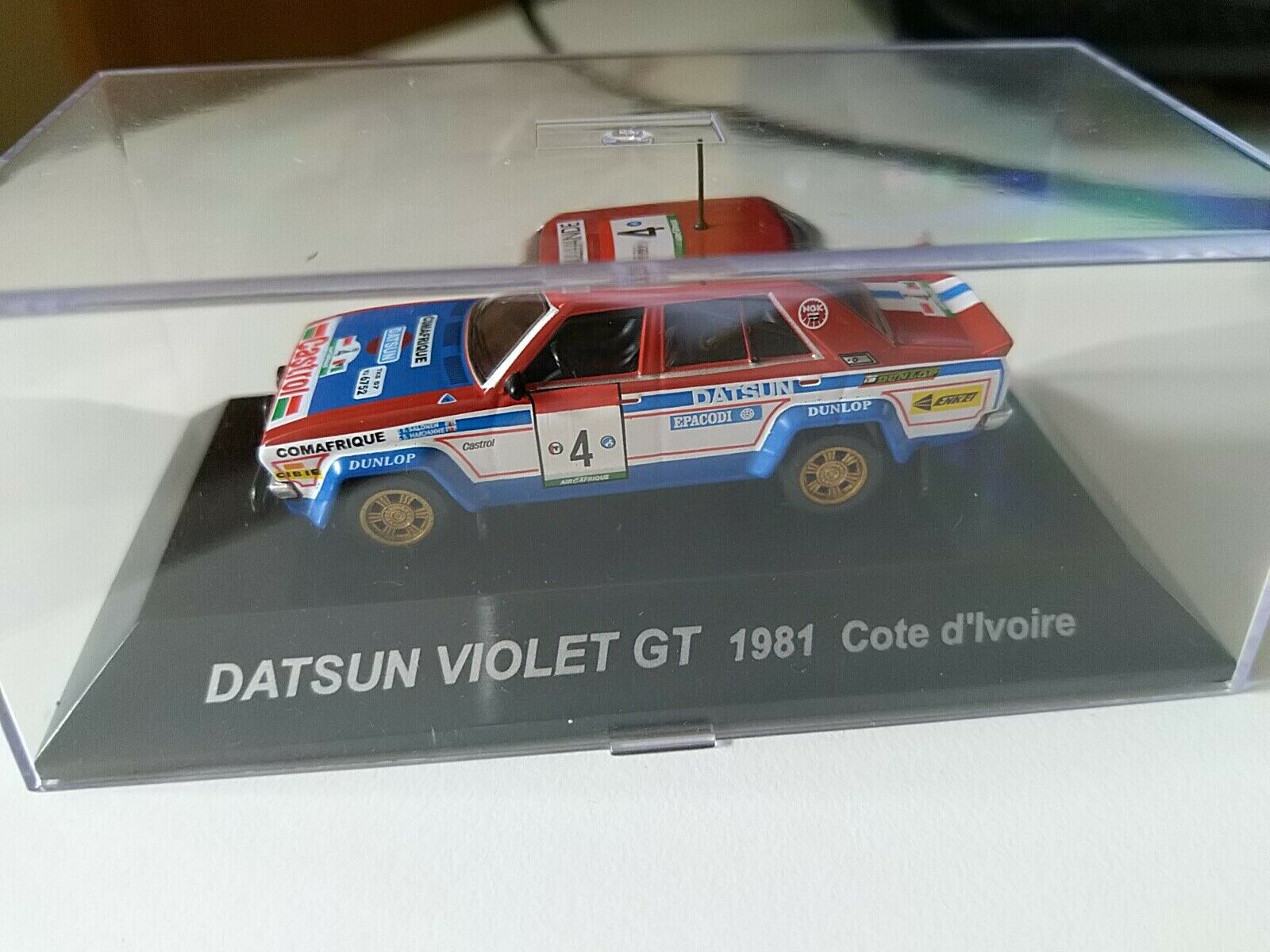 DATSUN lila GT 1981 COTE D' IVORE  RALLY 1 64 cm's