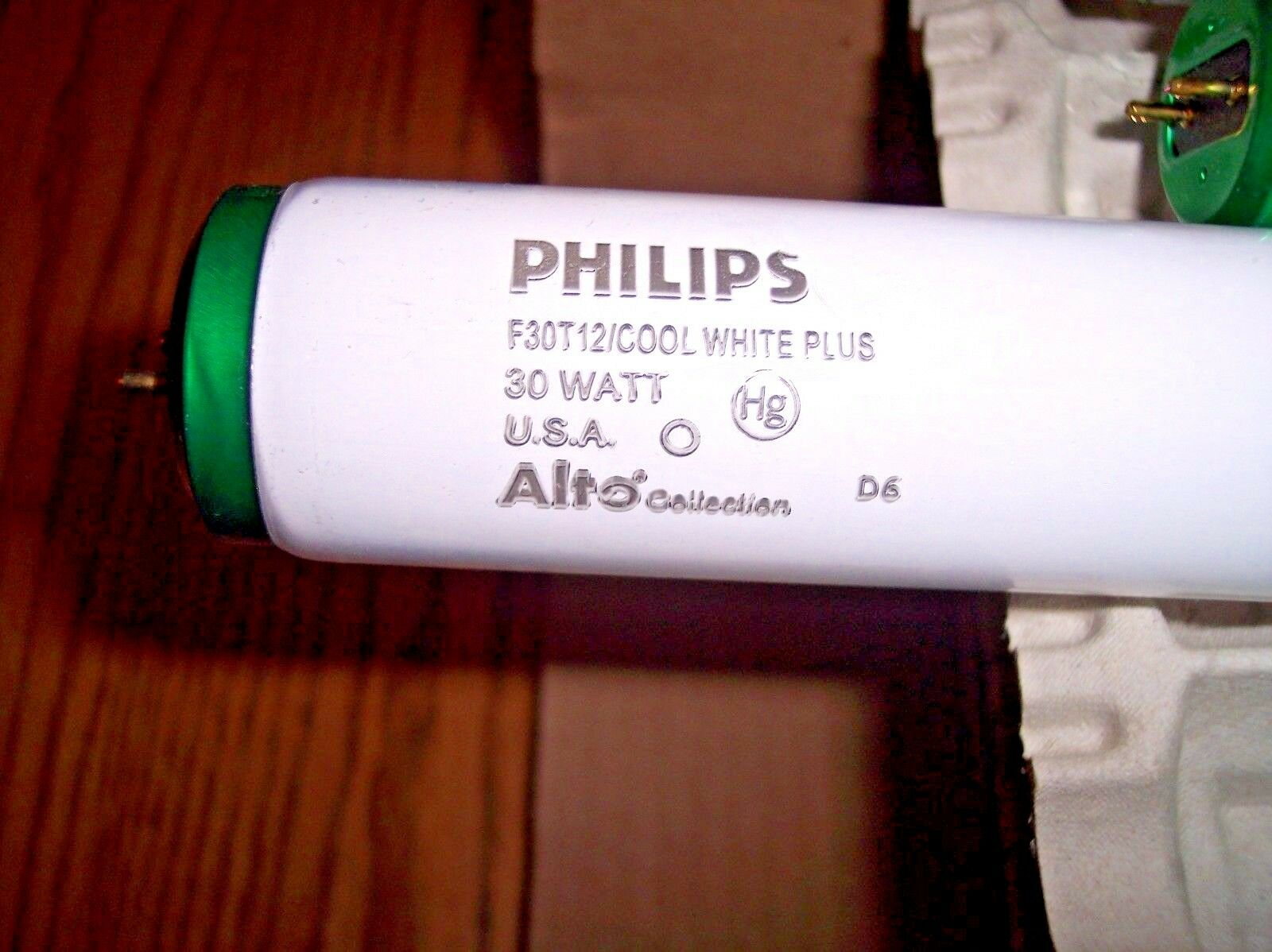 CASE OF 30 NEW Philips 339499 F30 HL COOL ALTO UPC  FLUORESCENT LIGHT BULBS