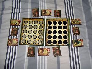 Bien éDuqué 20 Gold Coloured Medallionzs In A Folder - Coins Pirates Of The Caribbean