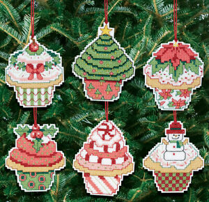 Christmas-Cupcake-Ornaments-Counted-Cross-Stitch-Kit-3-034-X3-034-14-Count-Set-Of-6