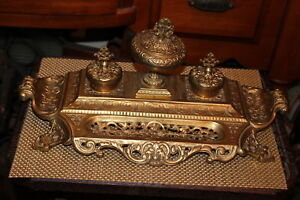 LARGE-Vintage-Victorian-Style-Brass-Metal-Jewelry-Vanity-Caddy-Inkwell-Scrolls