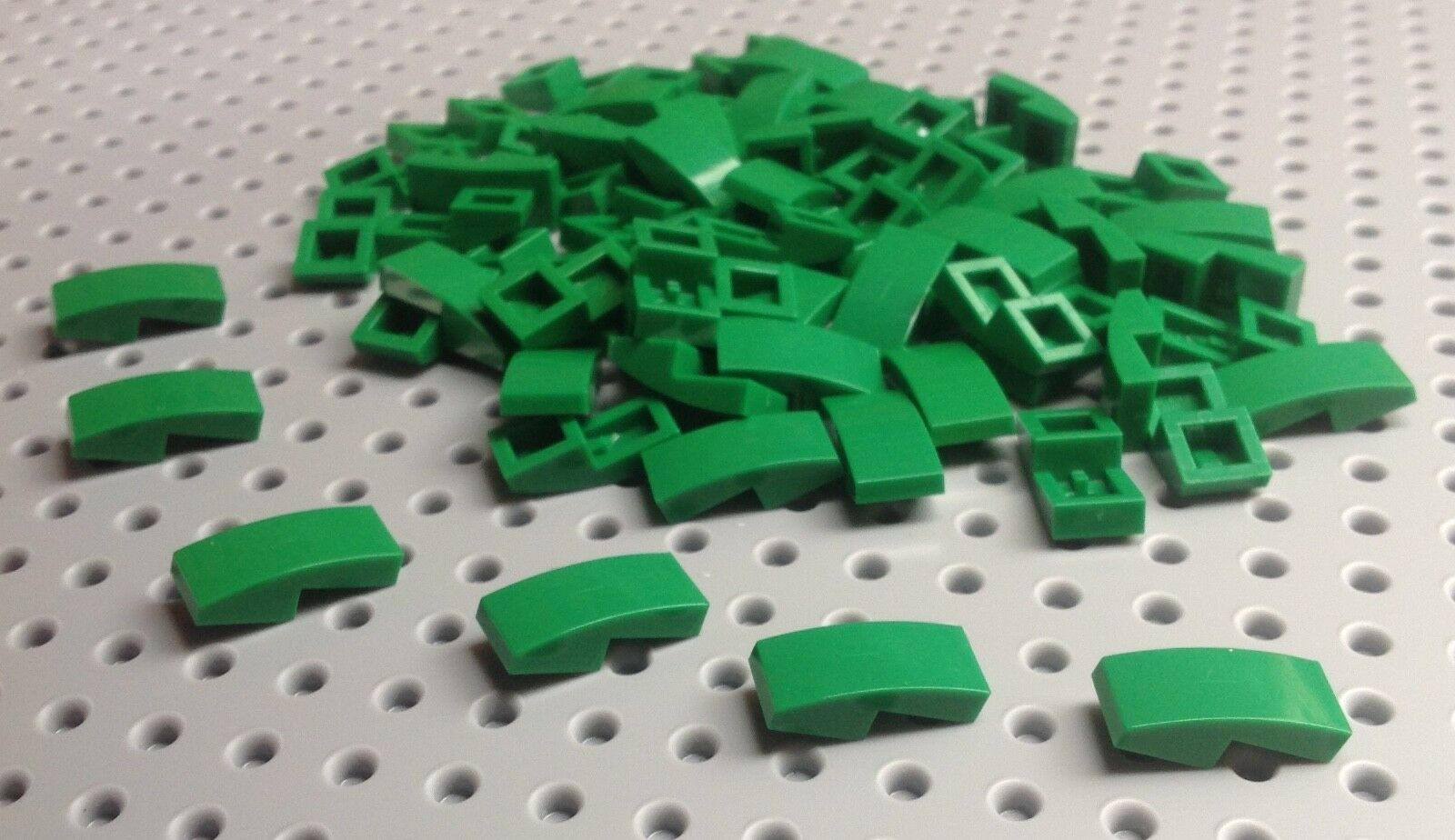 LEGO Green Slope Curved 2x1 No Studs Lot of 100 Parts Pieces 11477