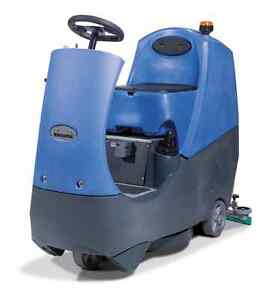 MIETE-Aufsitz-Scheuersaugmaschine-Reinigungsmaschine-MIETEN-Numatic-CRO8055