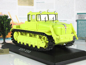 DET-250-Caterpillar-Tractor-Soviet-Industrial-1957-Year-1-43-Scale-HACHETTE-Toy