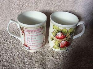 1970s-Pair-of-Duchess-Bone-China-Mug-Strawberry-designs