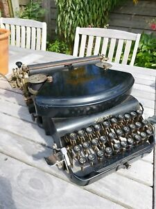 Klein Adler Model 7 typewriter. NOT TESTED. 1920s? Thrust action. Collectable.