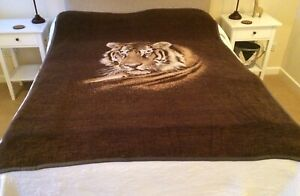 Soft-Brown-Throw-With-Large-Tiger-Print-Reversable-Double-Bed-Blanket-Sofa-Couch