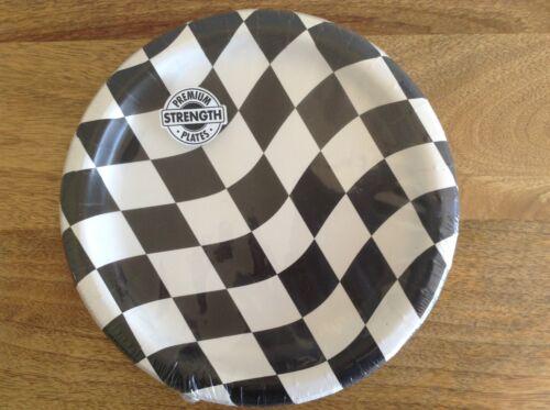 Pack of 8 Black /& White Checks 22cm Paper Plates