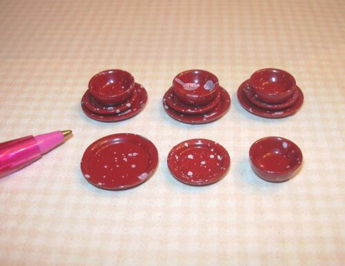 Miniature Red Spatterware Plates//Bowls DOLLHOUSE Miniatures 1:12 Set of 12