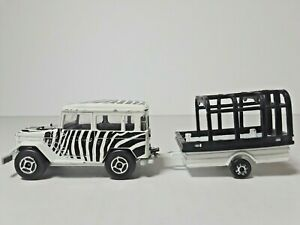 MAJORETTE-Toyota-Zebra-Safari-Die-Cast-Vehicle-No-277-w-Trailer-FRANCE