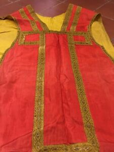 Pianeta Ricami Oro stoffa rossa restauro raso  arte sacra