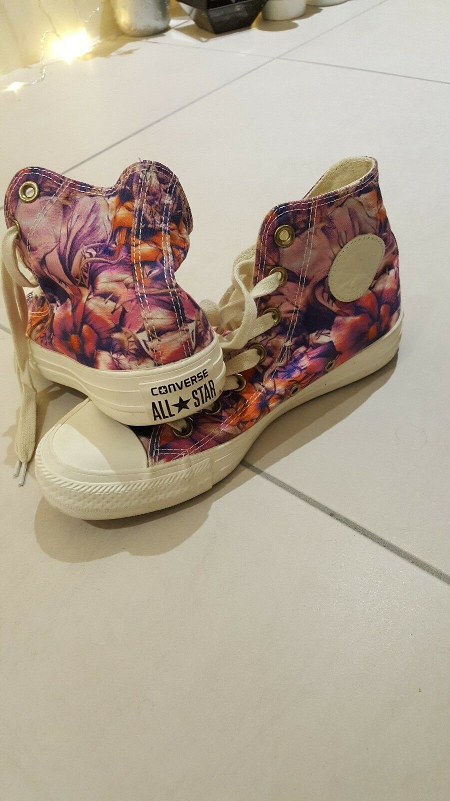Converse womens shoes size 4