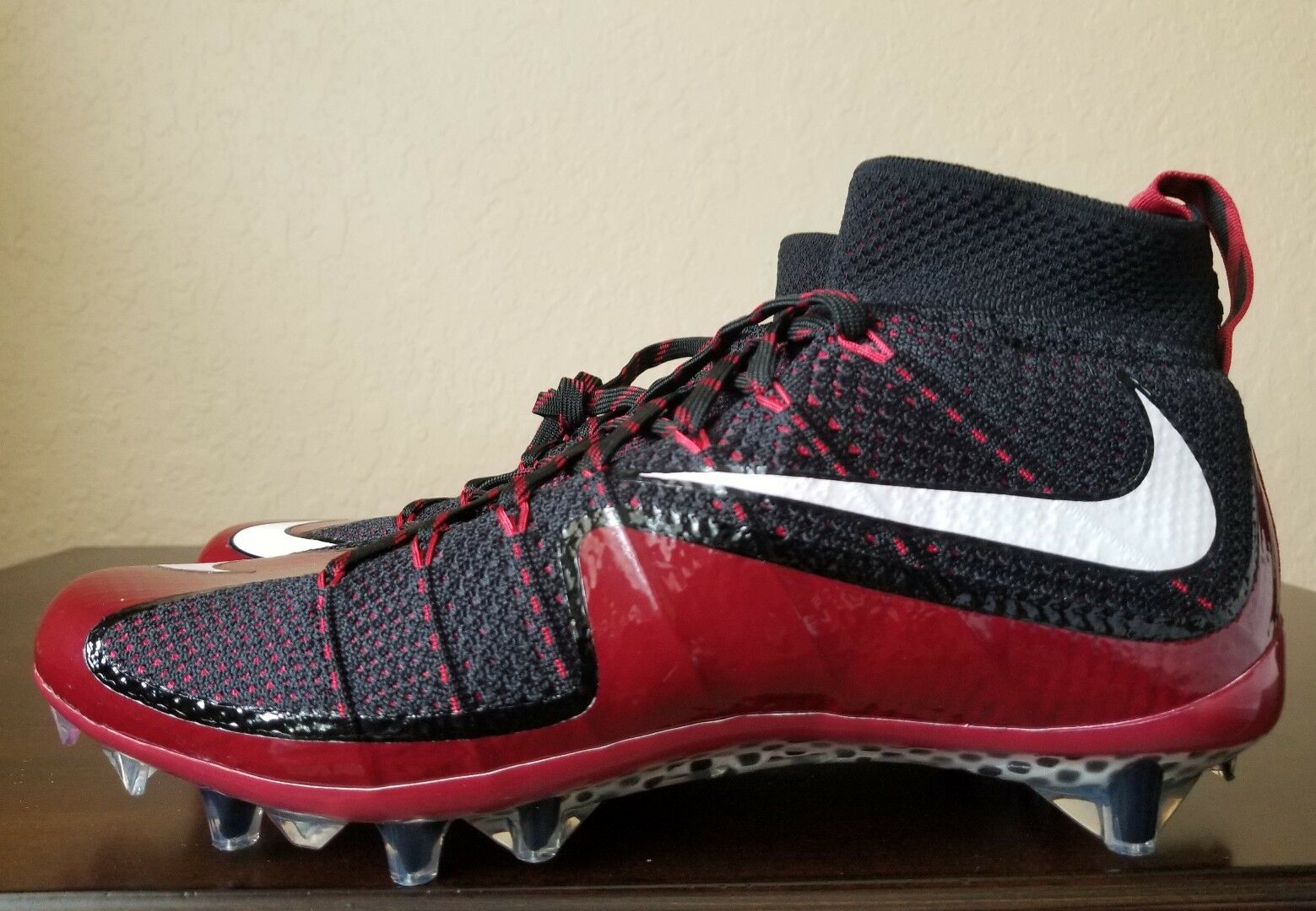 NEW Nike Vapor Men's Untouchable Football Cleats #CUL8R 707455-001 Men's Vapor Sz. 9.5 a1e6c6