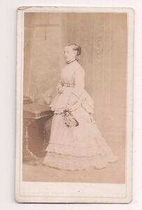 Vintage-CDV-Victorian-Society-Lady-W-T-Watson-photo-Hull-Fashion-Costume