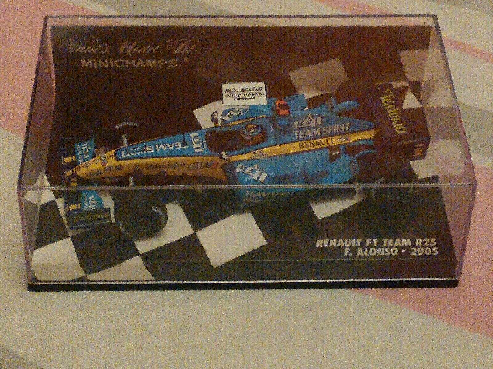 Minichamps 1 43 F.1 Fernando Alonso Renault F.1 R25 - World Champion 2005