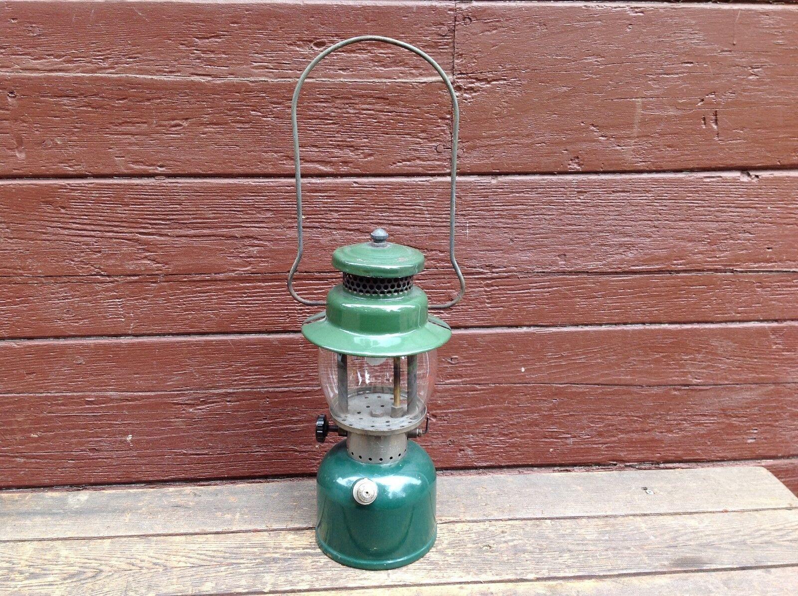 Vintage 1947 Coleman 242C Single Mantle Lantern