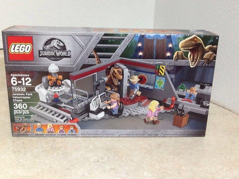LEGO 75932 Jurassic World Park Velociraptor Chase w  4 minifigs & 1 Velociraptor