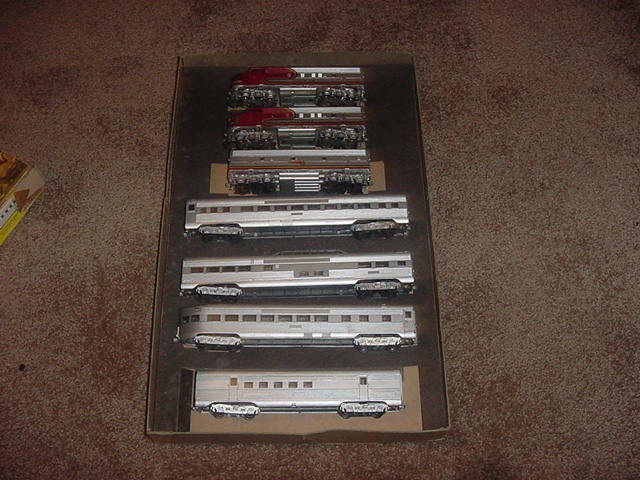 VINTAGE HO TRAINS ATHEARN IN MINIATURE LOCOMOTIVES 2-805 PASSENGER CARS 60s RARE