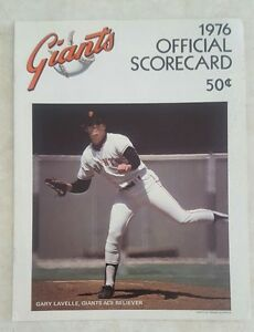 1976-SAN-FRANCISCO-GIANTS-SCOREBOOK-PROGRAM-vs-ATLANTA-BRAVES-UNSCORED