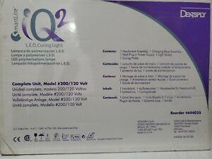 SmartLite-iQ2-L-E-D-Curing-Light-Complete-Unit-New-Un-opened