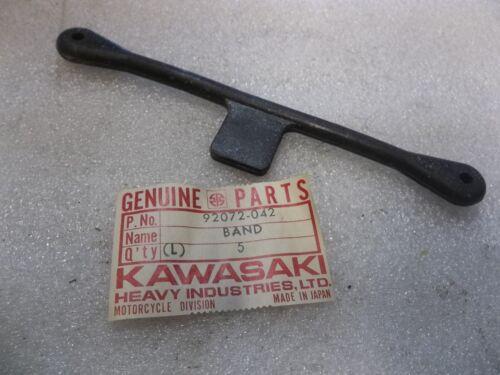 KAWASAKI GAS FUEL TANK STRAP KX 125 250 420  KZ 1000 900 Z1 KXT 92072-042 AHRMA