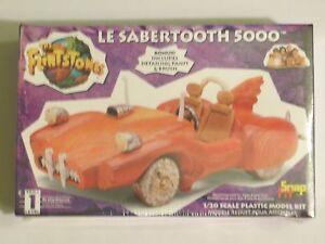 Lindberg Le Sabertooth 5000 Flintstones Model Kit  SEALED