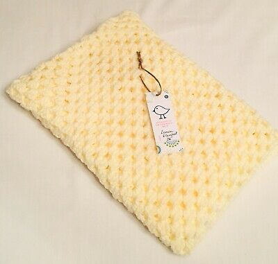 "26/"" Traditional Crochet Square Washable Kiddashery White Baby Pram Cot Blanket"