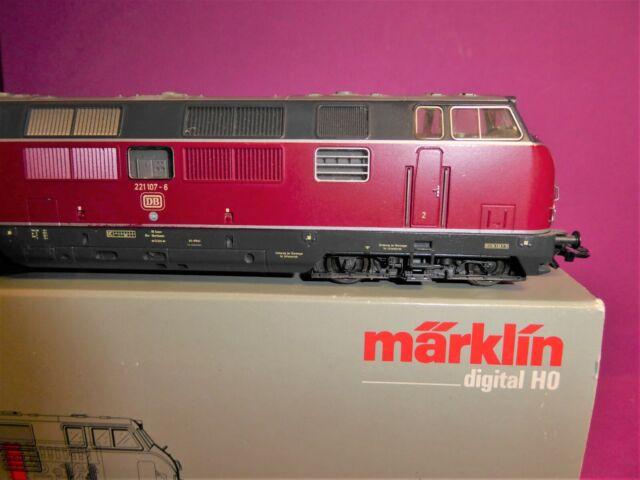 MÄRKLIN H0 3682 digital: BR221 107-6 DB Diesellok