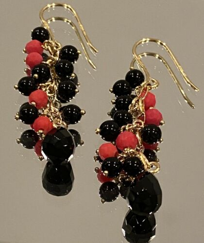 Stunning Vintage 9k Gold, Red Coral and Onyx Earri