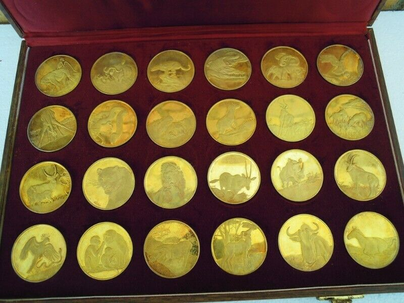Silver .925 pure - Wildlife Medallions x 24 - Gold Clad - 888.8 grams. Serious Collectors Item.