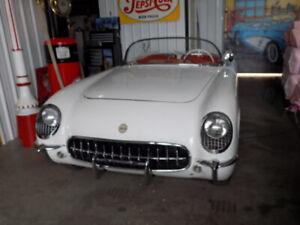 Chevrolet Corvette covertible 1954