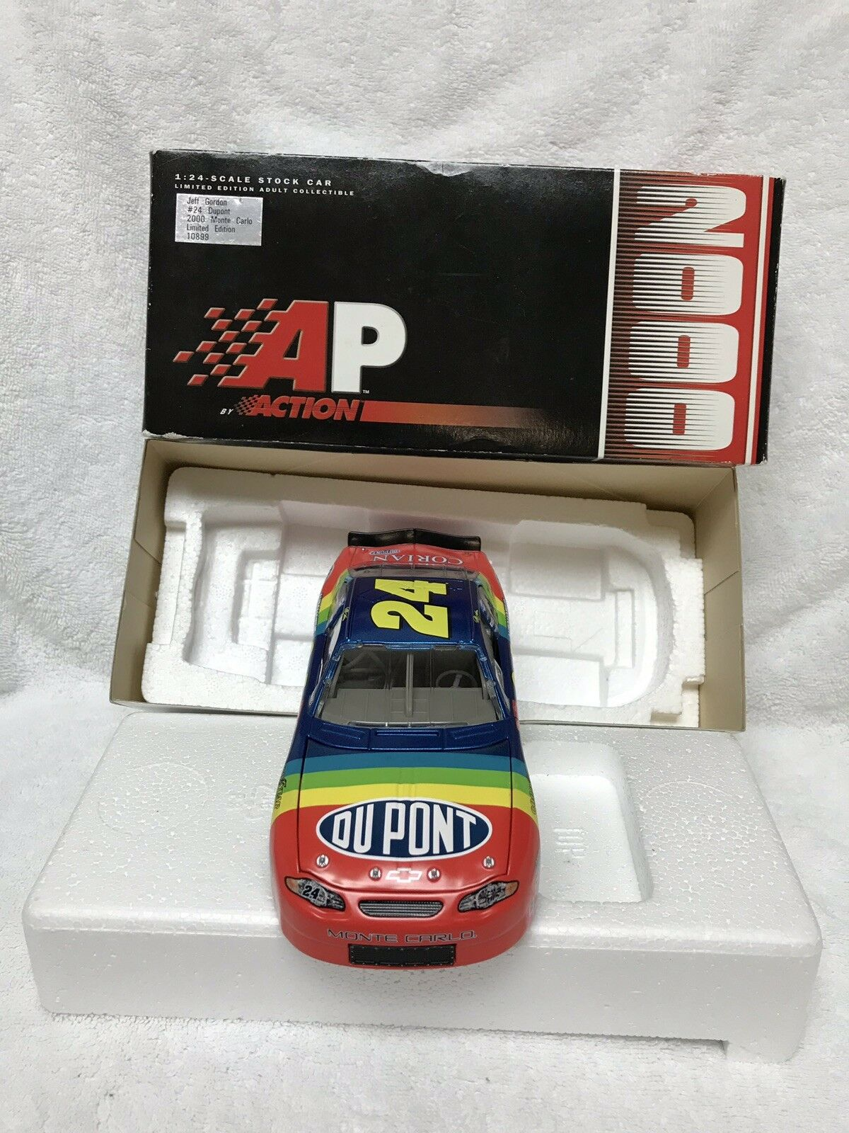 NEW Action 2000 Jeff Gordon DuPont DuPont DuPont Monte Carlo Limited Edition 1 24 Scale 5c10fc