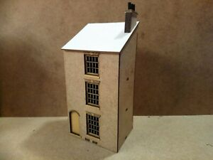 Pear-House-Laser-Cut-Scratch-Aid-Built-Layout-Kit-OO-Gauge-4mm-Model-Railway