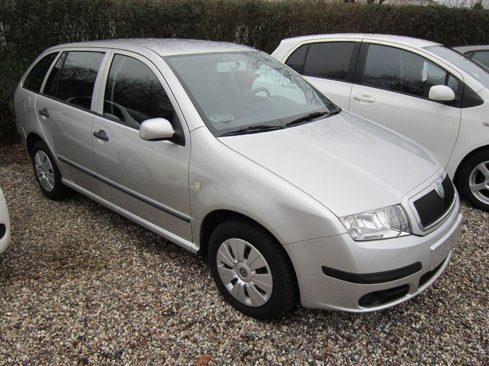 Skoda Fabia 1,4 16V 75 Comfort Combi Benzin modelår 2005 km