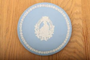 Wedgwood-Jasperware-Blue-Mother-1997-Collectible-Plate