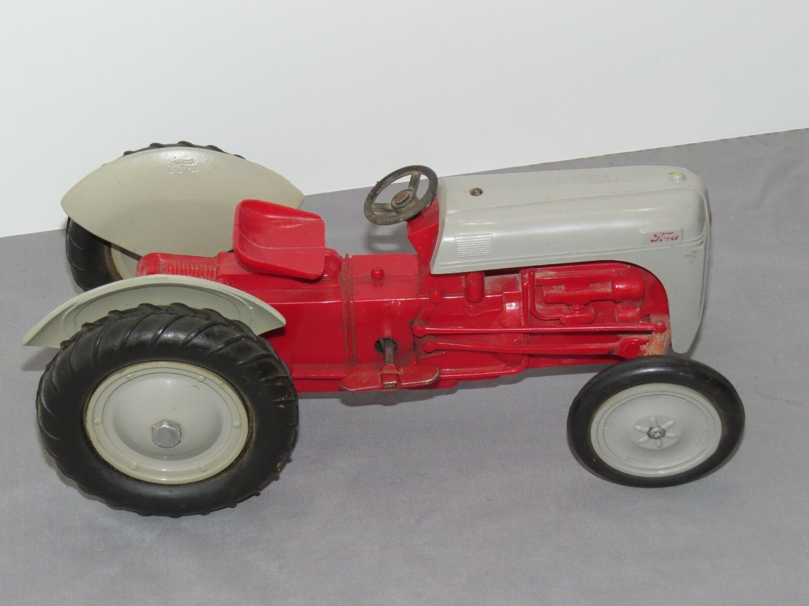 Vintage FORD 8N Product Miniature Plstic Wind-Up Toy Tractor 1 12 RARE