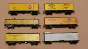 HO-Scale-Athearn-Roundhouse-etc-Woodside-Reefers-and-Pickle-Car