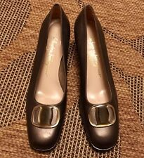 SALVATORE FERRAGAMO Stack heels size 7 1/2 AA Pewter leather made in Italy
