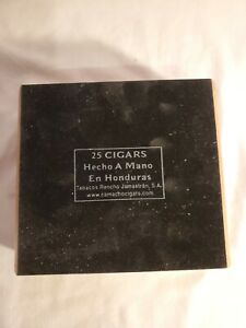 VINTAGE-CAMACHO-CIGAR-CEDAR-BOX-HONDURAS-EMPTY-1980s
