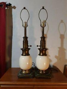 Set-of-2-STIFFEL-Mid-century-Ostrich-Egg-Vintage-Porcelain-Brass-Table-Lamps-MCM