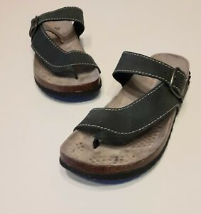 White Mountain Sandals Carly Size 6m Leather Upper