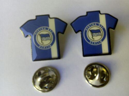 Neu 2 Stück nur 1 x Versandkosten Herta BSC Berlin Trikot Pins