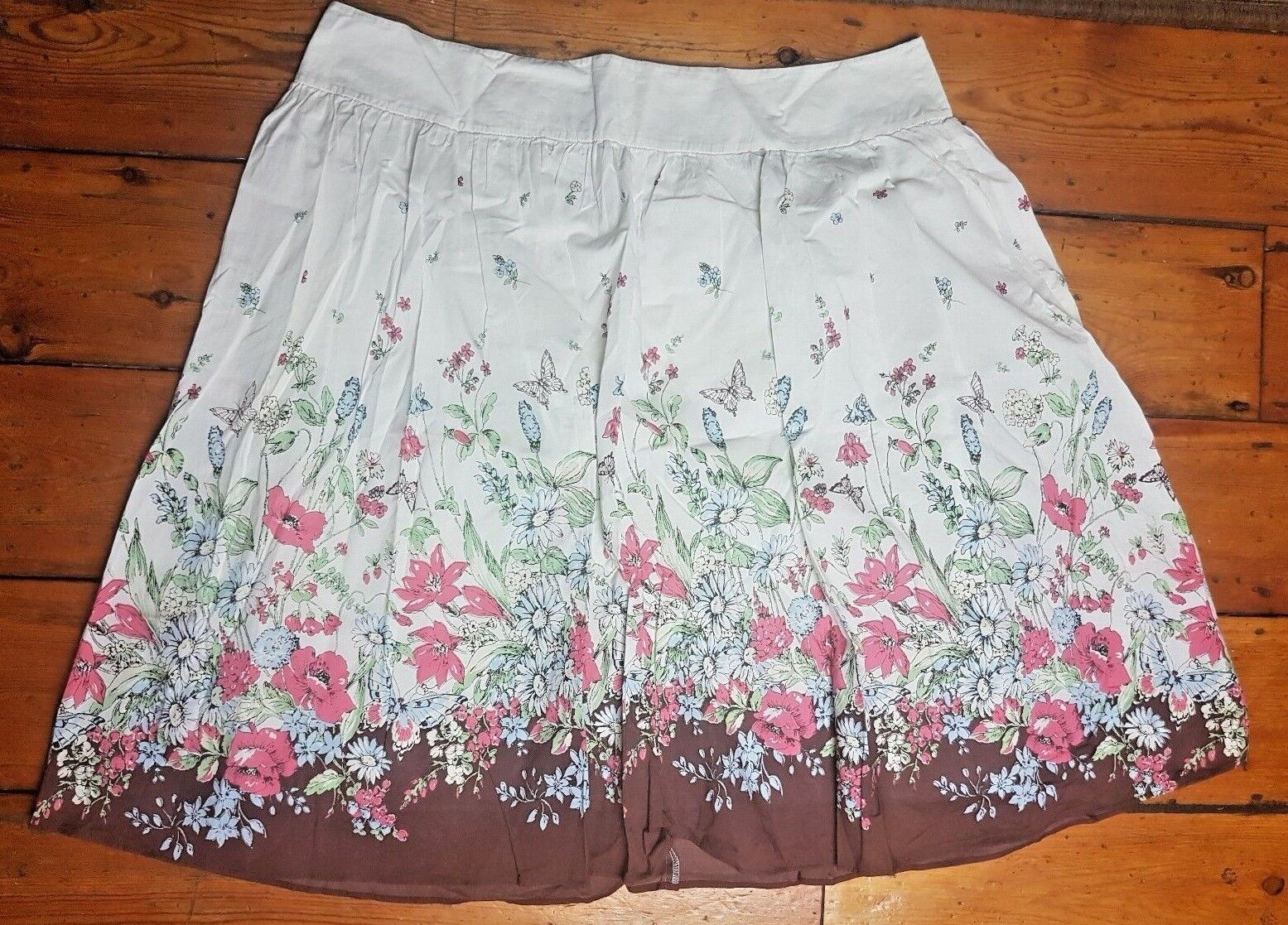 Laura Ashley Ladies Beige Floral A Line Flared Pleated Fully Lined Skirt Size 16