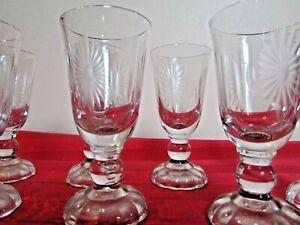 VINTAGE-SUNFLOWER-STARBURST-ETCHED-GLASS-CORDIALS-MID-CENTURY-8-DINING-BARWARE