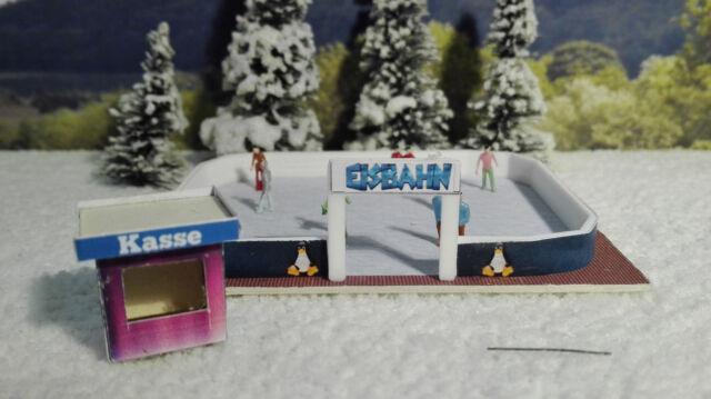 Eislaufbahn mit Kasse |  Spur N 1:160 | Bausatz | Winter | Weihnachten