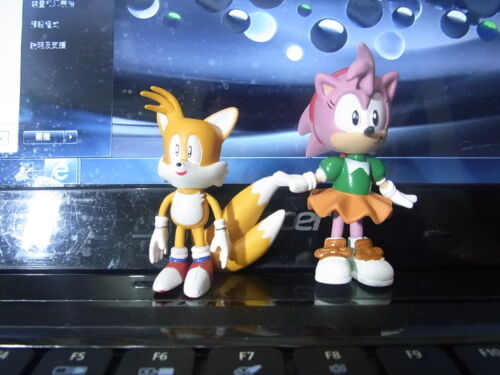 Sonic the Hedgehog Brand New-A Pair Figures-2.5/""