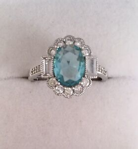 Vintage-Jewellery-Gold-Ring-Aquamarine-White-Sapphires-Antique-Deco-Jewelry