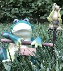 Vintage-Art-Pottery-GARDEN-FROG-7-5-034-PLANTER-Yard-Ornament-Frog-Yard-Stake