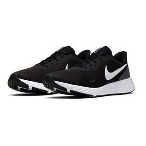 Scarpe-Uomo-Nike-Revolution-5-Sneakers-Sportive-Running-Nero-Bianco-Black-White