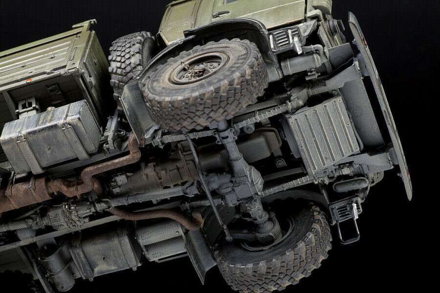 Kamaz 5350 Mustang Russian 6x6 Truck 1:35 Plastic Model Kit ZVEZDA